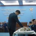 Международный гроссмейстер Дармен Садвакасов провел сеанс одновременной игры в Генеральной прокуратуре РК