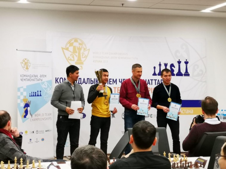 Поздравляем с 1 местом на командном чемпионате Астаны по быстрым шахматам