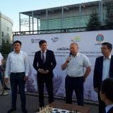 "В Астане шахматисты сразились с Дарменом Садвакасовым на бульваре ""Нуржол"""